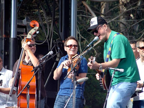 Barnes joins the Infamous Stringdusters