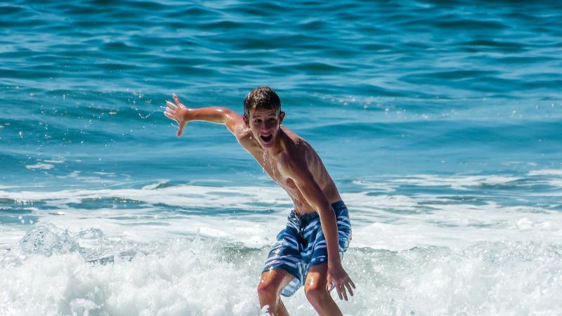 Henry Boeger surfing