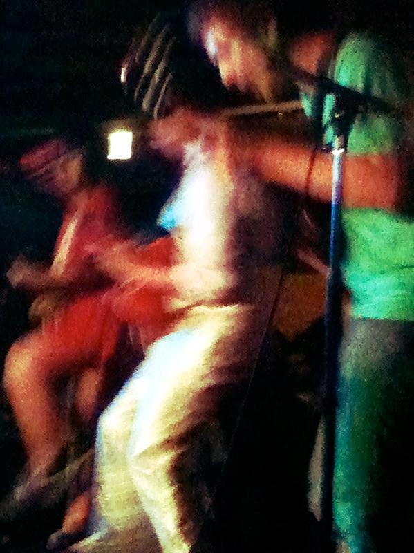 Deerhoof in action.