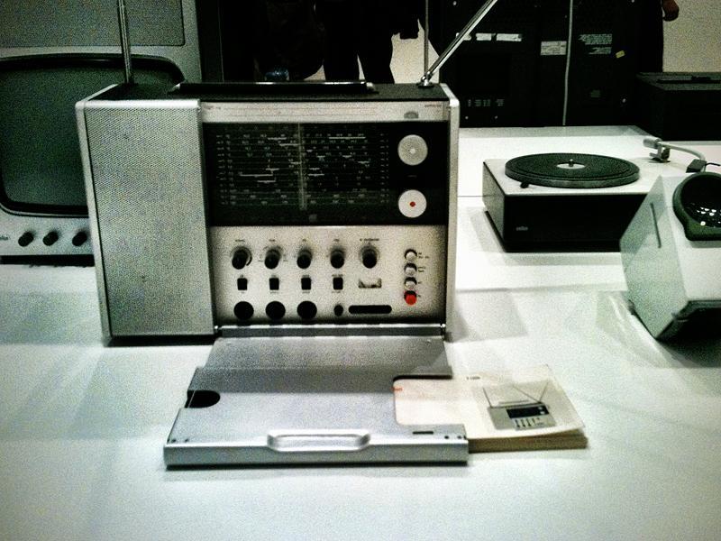 T 1000 World Radio, 1963. Design by Dieter Rams.
