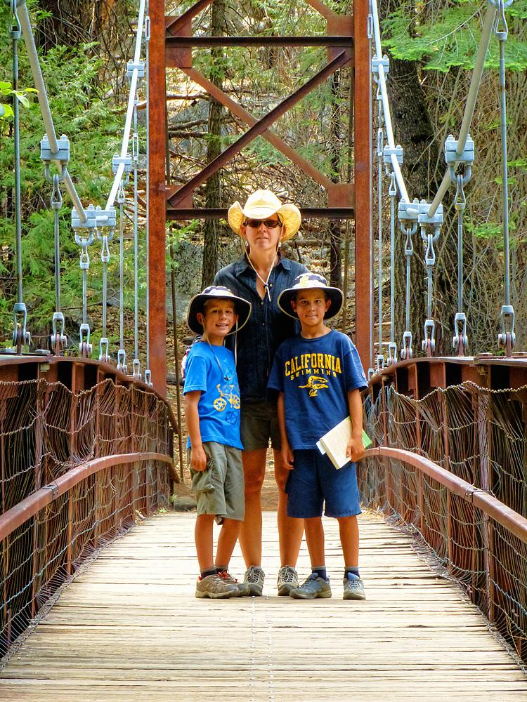 Kings Canyon foot bridge.