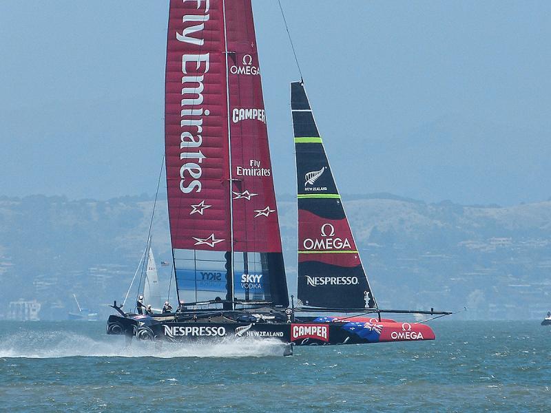 Kiwis ramping up their speed on last downwind leg.