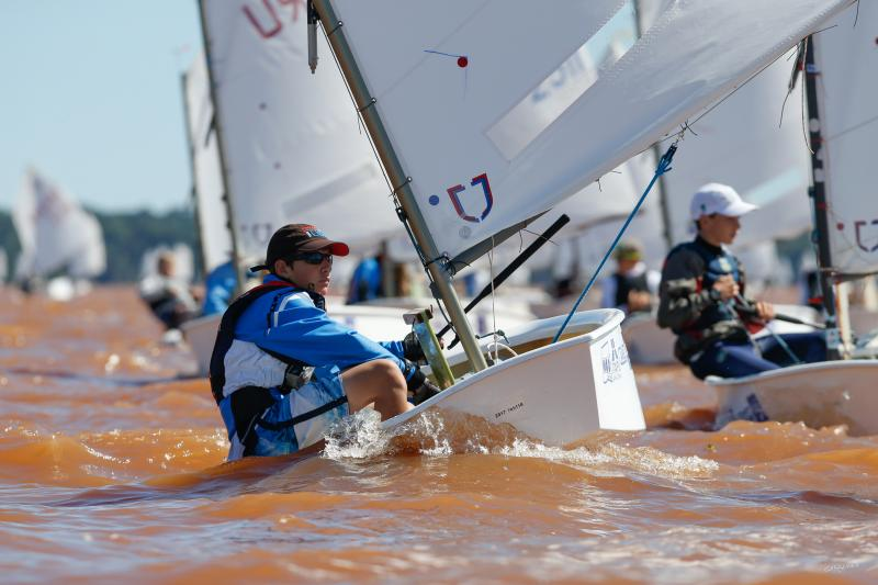 Henry racing at South American Championships
