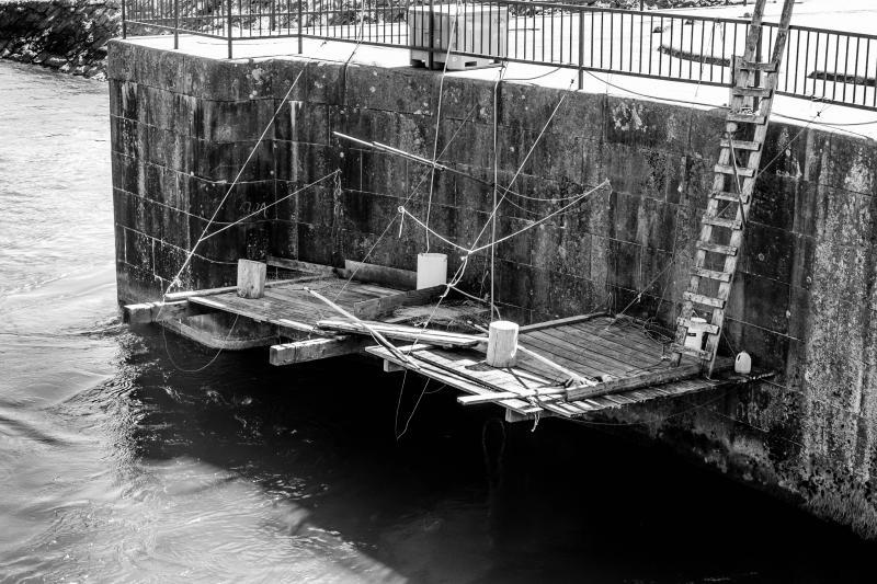 Fishing platforms at Cascade Locks